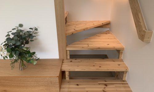 階段の転落事故を防ぐ!後悔しない階段の作り